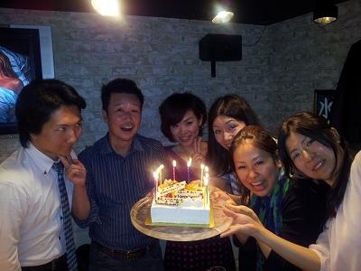 大阪スイーツレポーターちひろの辛口スイーツランキング-にゅ~とん会のバースデーケーキ