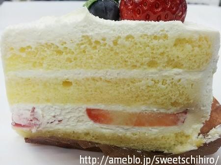 大阪スイーツレポーターちひろの辛口スイーツランキング-ウォルターピークファームのショートケーキ