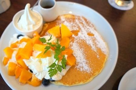 大阪スイーツレポーターちひろの辛口スイーツランキング-淀屋橋バター 完熟マンゴーパンケーキ