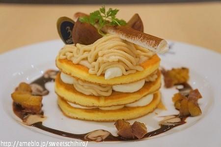 大阪スイーツレポーターちひろの辛口スイーツランキング-たっぷりマロンのパンケーキ
