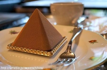 大阪スイーツレポーターちひろの辛口スイーツランキング-グルニエドール チョコレートケーキ