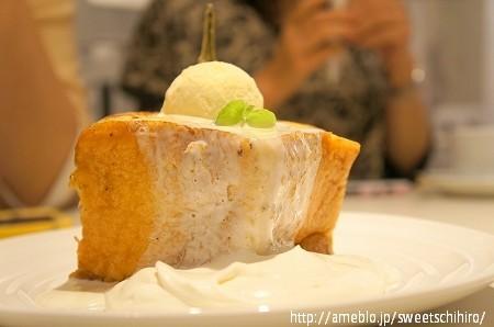 大阪スイーツレポーターちひろの辛口スイーツランキング-HugCafe 発酵バターのフレンチハニートースト