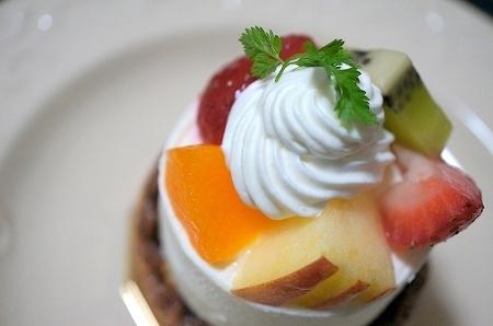 大阪スイーツレポーターちひろの辛口スイーツランキング-ラ・ファリーヌ レアチーズケーキ