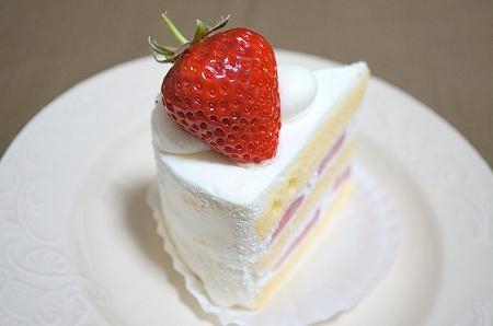 $大阪スイーツレポーターちひろのおいしいスイーツランキング-エスコヤマ 三田苺のショートケーキ