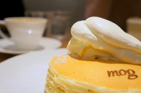 $大阪スイーツレポーターちひろのおいしいスイーツランキング-パンケーキ専門店mog スペシャルパンケーキ