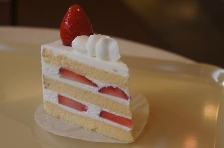 $大阪スイーツレポーターちひろのおいしいスイーツランキング-エイジニッタのおいしいショートケーキ
