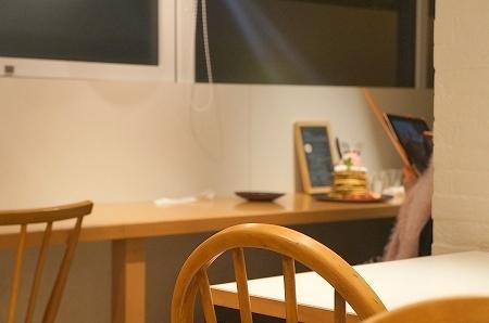 $大阪スイーツレポーターちひろのおいしいスイーツランキング-トリトンカフェ ストロベリーパンケーキ