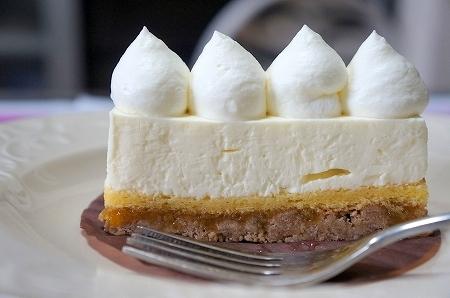 $大阪スイーツレポーターちひろのおいしいスイーツランキング-アシッドラシーヌのおいしいチーズケーキ