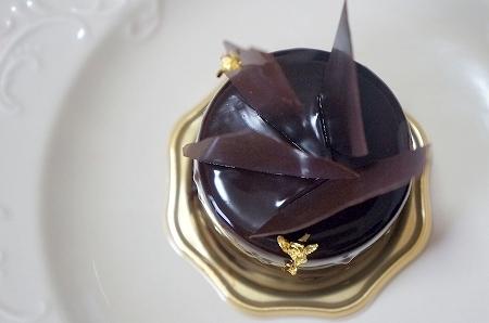 $大阪スイーツレポーターちひろのおいしいスイーツランキング-アシッドラシーヌのおいしいチョコレートケーキ