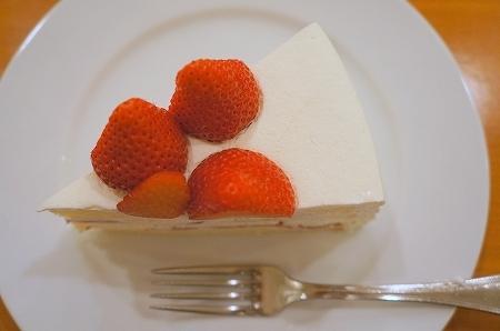 $大阪スイーツレポーターちひろのおいしいスイーツランキング-ハーブス ショートケーキ