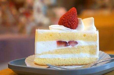 $大阪スイーツレポーターちひろのおいしいスイーツランキング-エトワール ショートケーキ