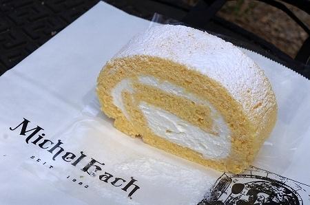 $大阪スイーツレポーターちひろのおいしいスイーツランキング-ミッシェルバッハ ロールケーキ