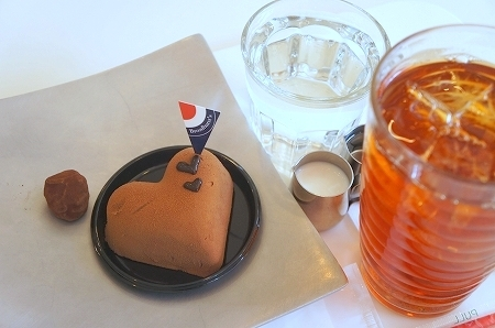 $大阪スイーツレポーターちひろのおいしいスイーツランキング-ブロードハースト チョコレートケーキ