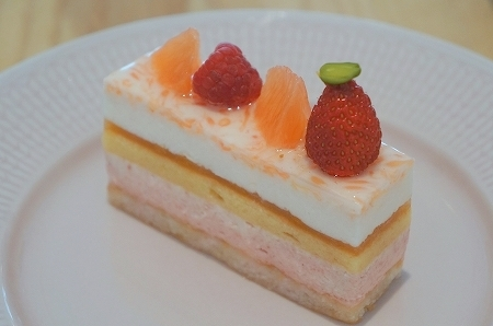 $大阪スイーツレポーターちひろのおいしいスイーツランキング-グランバァニーユのおいしいムースケーキ