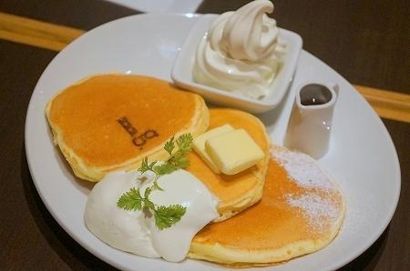 $大阪スイーツレポーターちひろのおいしいスイーツランキング-mg. プレミアムパンケーキ