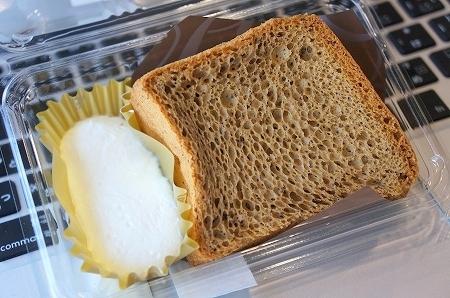 $大阪スイーツレポーターちひろのおいしいスイーツランキング-ローソンスイーツ ブランのシフォンケーキ