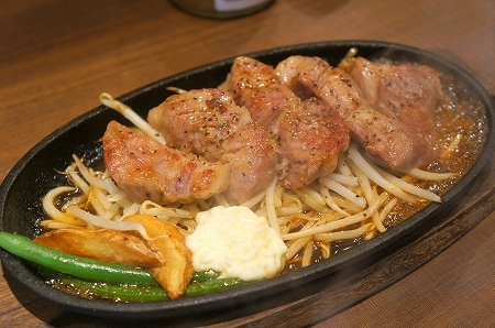 大阪スイーツレポーターちひろのおいしいスイーツランキング-ワンポンドステーキタケルトンテキランチ