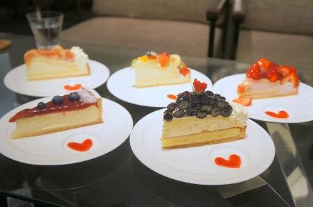 大阪スイーツレポーターちひろのおいしいスイーツランキング-ファシーノのケーキ