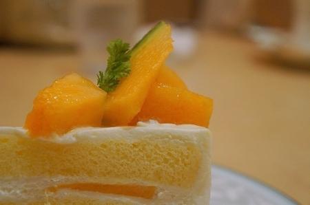$大阪スイーツレポーターちひろのおいしいスイーツランキング-香川県 shika スーパーメロンショートケーキ