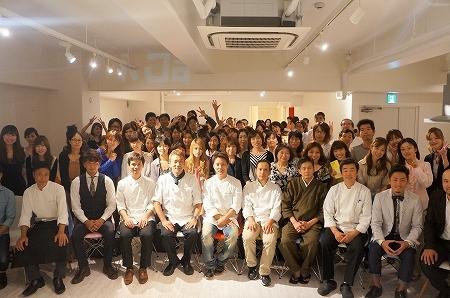 大阪スイーツレポーターちひろのおいしいスイーツランキング-大阪スイーツスタンプラリー集合写真