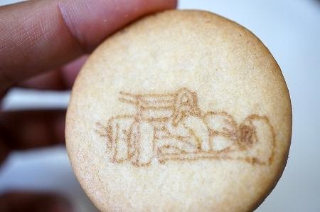 $大阪スイーツレポーターちひろのおいしいスイーツランキング-鈴鹿サーキットのお土産クッキー