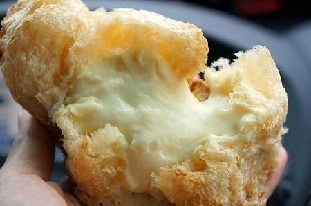 $大阪スイーツレポーターちひろのおいしいスイーツランキング-蒜山ジャージーシュークリーム