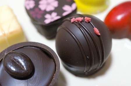 大阪スイーツレポーターちひろの辛口スイーツランキング-西宮チョコレート デリスモア ボンボンショコラ