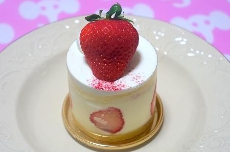 $大阪スイーツレポーターちひろのおいしいスイーツランキング-新阪急ホテル いちごショートケーキ