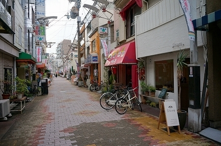 大阪福島カフェ ストーブ