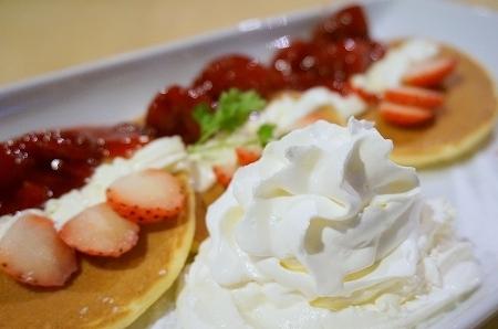 阪急三番街リバーカフェパンケーキ