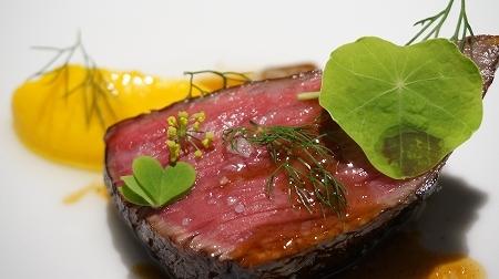 カセント 肉料理