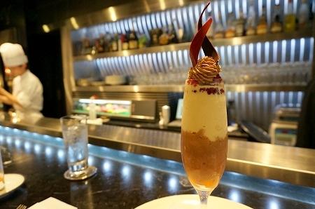 東京ミッドタウン トシヨロイヅカ チョコレートパフェ