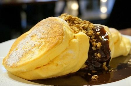 阿波座 ニノーバルカフェ チョコレートパンケーキ
