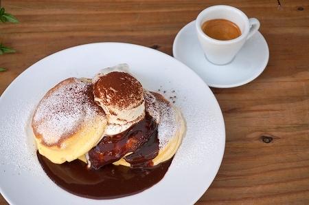 幸せのパンケーキ ハイブリッドパンケーキ ティラミスパンケーキ