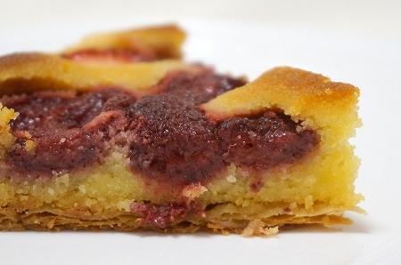 エスコヤマ 春苺の朝焼きパイ