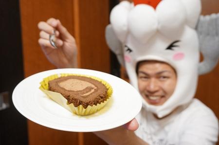 セブンイレブン カカオ香るショコラロールケーキ