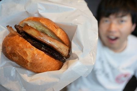 旧桜宮公会堂 浪花黒牛とフォアグラのサンドイッチ