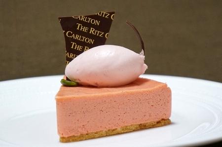 リッツカールトン大阪 桜チーズケーキ