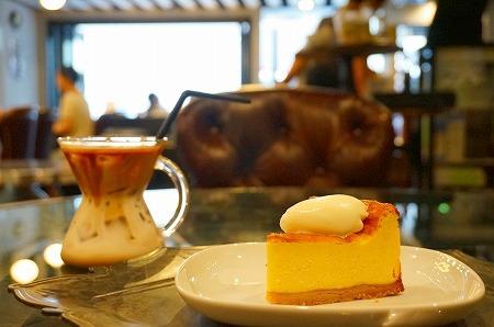 北堀江 モンディアルカフェ328 カフェラテ チーズケーキ