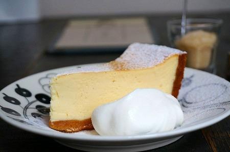 堺筋本町 アイビー&ネービーカフェ チーズケーキ
