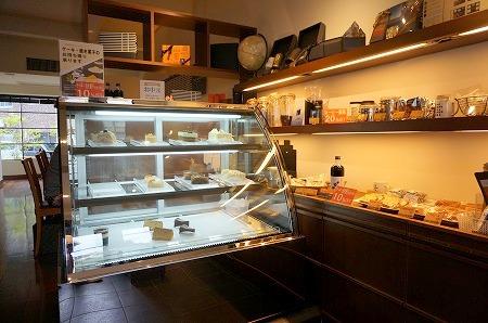 コーヒー&スイーツ カフェ バーンホーフ