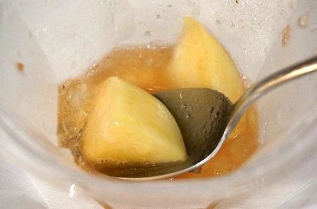 淀屋橋 ジョエル 白ワインと桃とイチゴかき氷