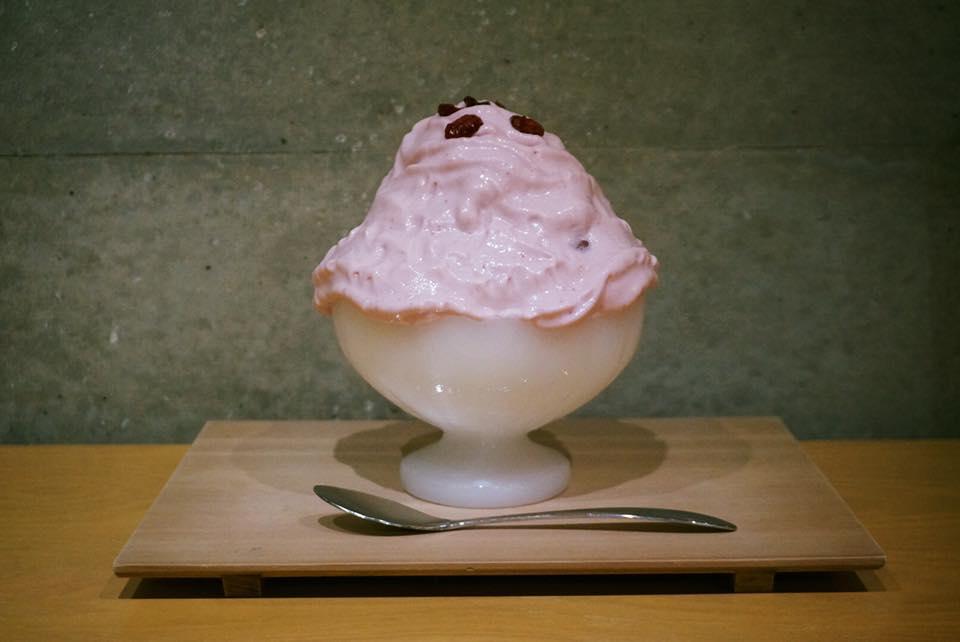 イチゴミルクエスプーマかき氷