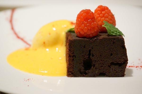 リストランテヒロ大阪 チョコレートケーキ