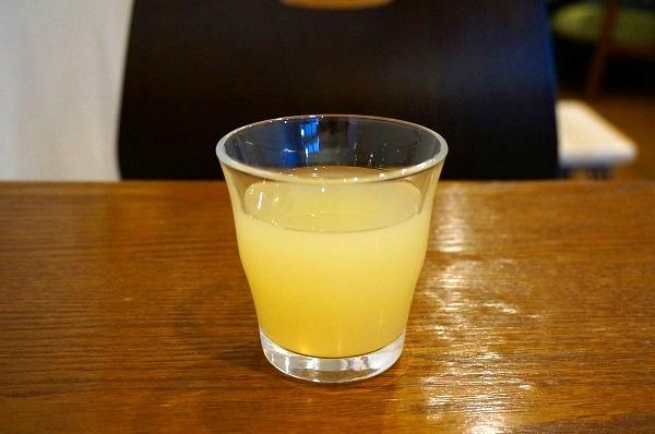 西梅田 リンゴカフェ エリカフェ りんごジュース