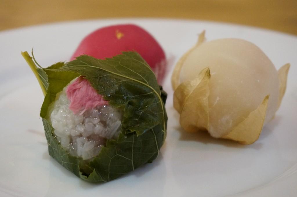 西区新町 餅師しづく 桜餅 ほおずき大福
