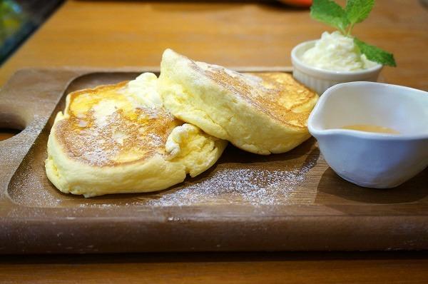 心斎橋 モーニングリコッタチーズパンケーキ たらTaRa四ツ橋店