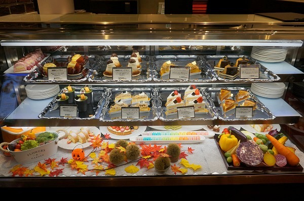 大阪新阪急ホテル平日限定スイーツ食べ放題ビュッフェ